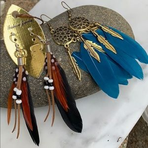Set of two feather earrings
